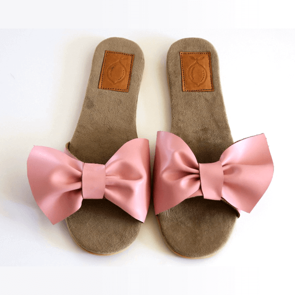 Sandal large pink leather bow