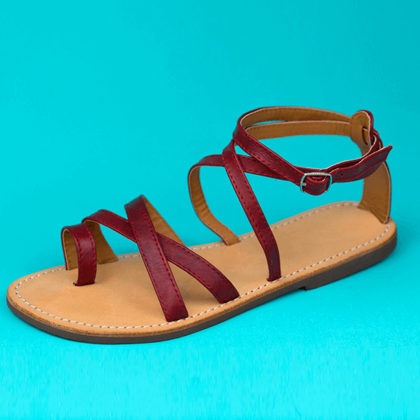 Braided vinyl leather sandal with clasp